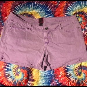 💜🍇Torrid shorts light purple with raw hem